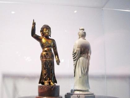 誕生釈迦仏立像 月光菩薩像