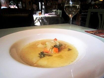 バジル風味のスープ