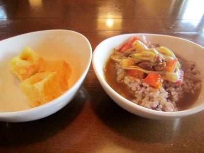 大和肉鶏カレー 古代米