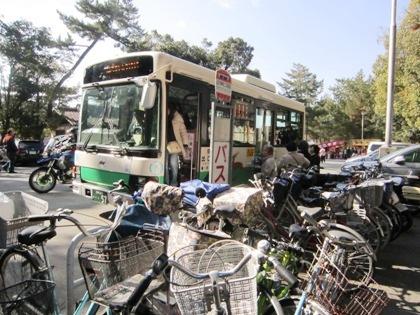 大神神社着のシャトルバス
