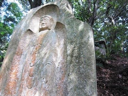 長岳寺の弥勒大石棺仏