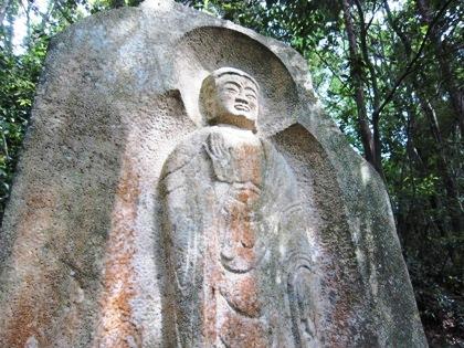弥勒大石棺仏