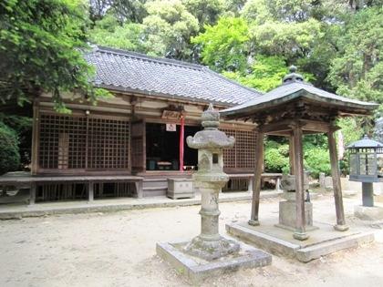 長岳寺の拝堂