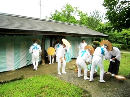東屋 大神神社の御田植祭