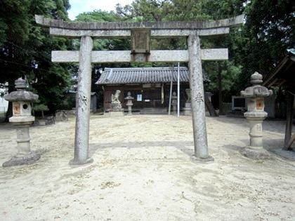 伴堂杵築神社の鳥居
