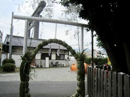 綱越神社と大神神社大鳥居