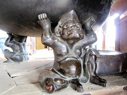 東大寺二月堂の香炉台