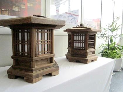 JR奈良駅改札内の燈籠