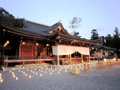 観月祭の大神神社祈祷殿