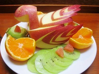 りんごの飾り切り スワンアップル