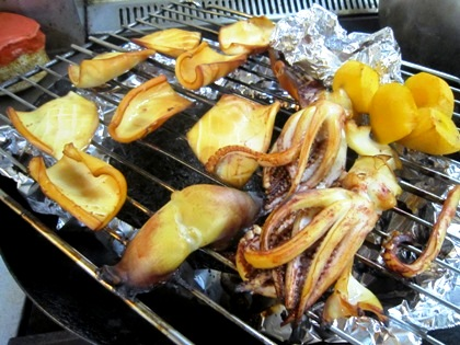 柿とスルメイカの燻製