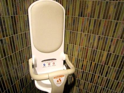 乳児用の腰掛椅子 東大寺ミュージアムのトイレ