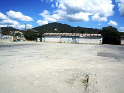 明神道場と三輪山