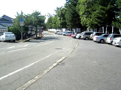 二の鳥居近くの駐車場