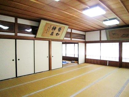 三輪恵比須神社社務所の中