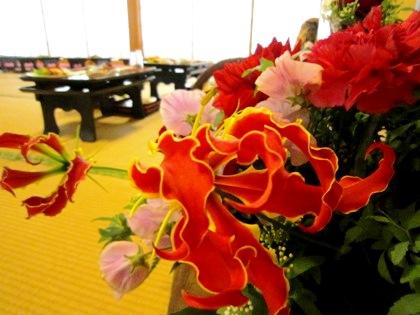 結婚披露宴会場の花