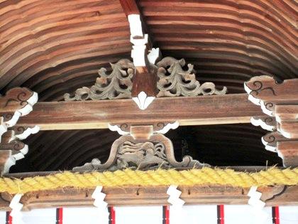 大神神社拝殿の蛙股