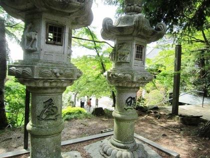 長岳寺石灯籠