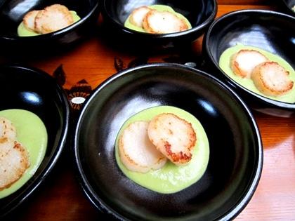 帆立のエンドウ豆ソース