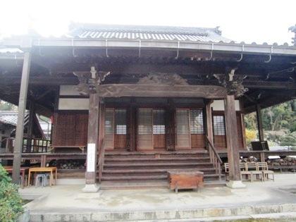 向原寺の本堂