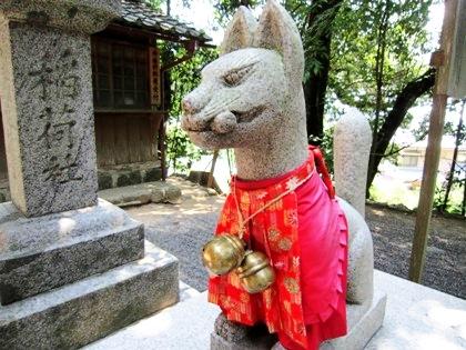 三輪成願稲荷神社の狐
