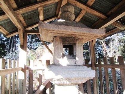 東大谷日女神社の石灯籠 重要文化財