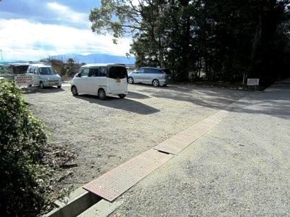大和神社の駐車場