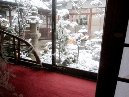 中庭 雪見障子 客室