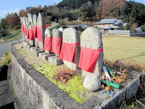 桜井市高家の地蔵石仏