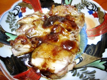 鶏肉のソテー 完熟トマトのコンフィソース