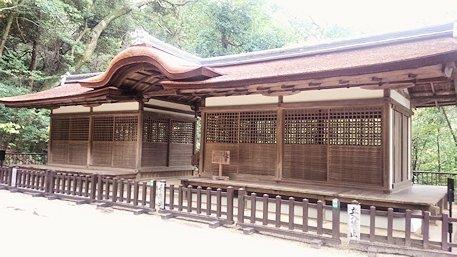 石上神宮の割拝殿